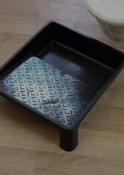 header-tray